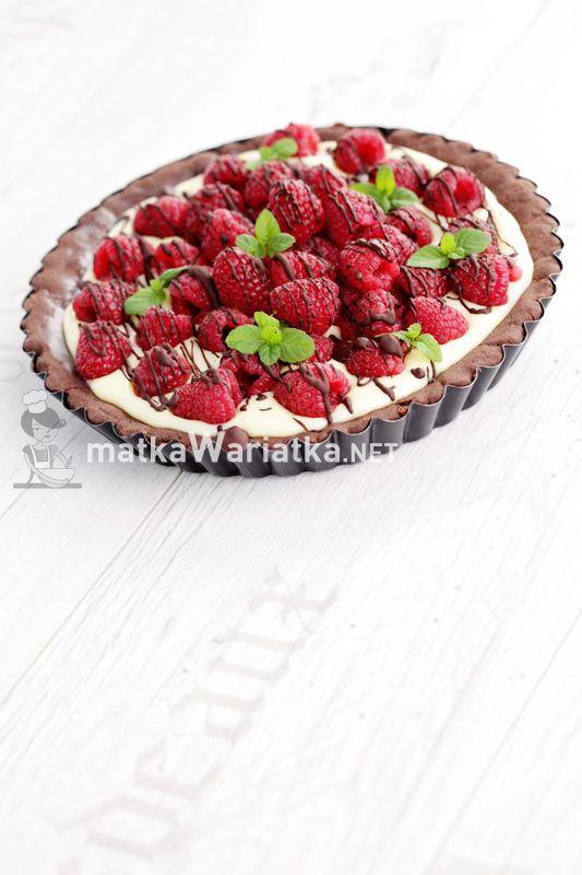 tart with white chocolate and raspberries :)  http://www.matkawariatka.net/2014/05/kakaowa-tarta-z-biala-czekolada-i-malinami/