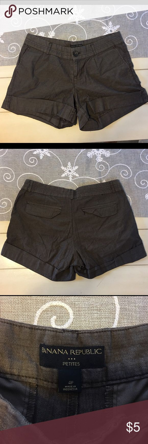 Banana republic shorts Good condition banana republic shorts 4p Banana Republic Shorts Skorts