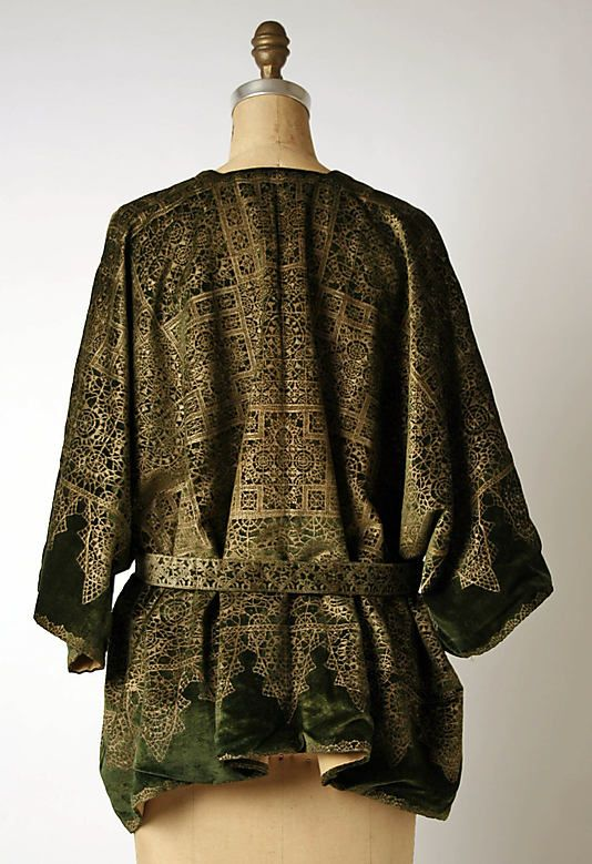Fortuny coat, back view.  (with acknowledgment to http://www.metmuseum.org)