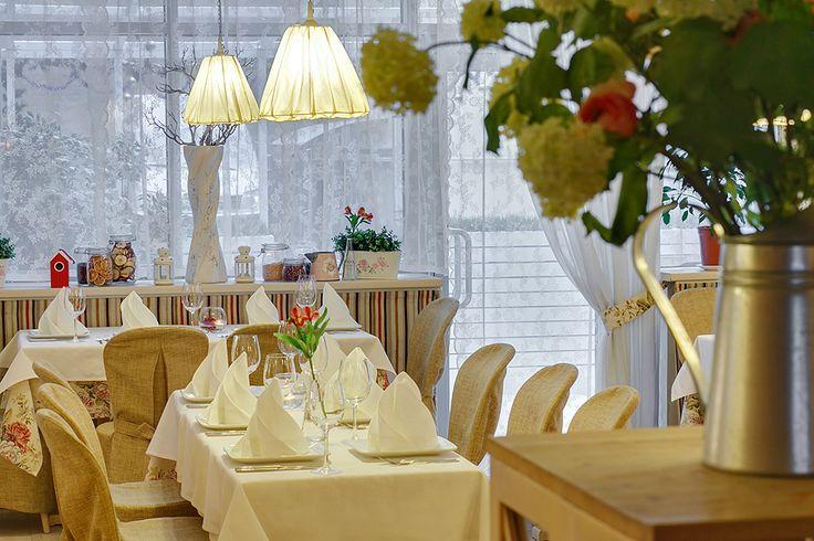 Ресторан и банкетный зал в Red Stars Hotel