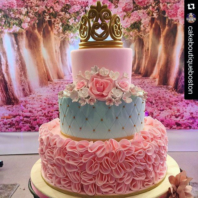 "23 Me gusta, 2 comentarios - Hoang Anh (@fb_beautifulcake.88) en Instagram: ""@cakeboutiqueboston ❤️ Princess party! #tealpink #princessparty #princesscake #shabbychic…"""