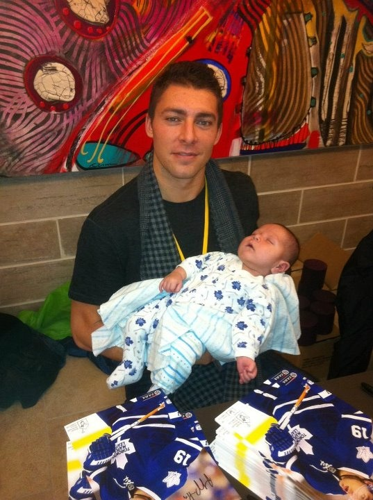 Awww. Joffrey Lupul's kid was born a Leafs fan.