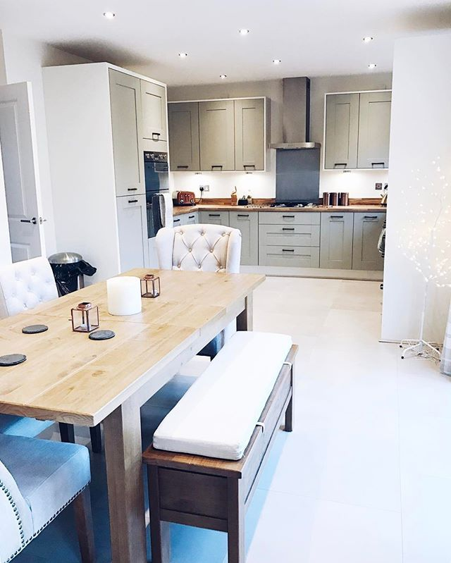 Someone asked to see a photo of my kitchen now the floor is finished & the dining table is in so here it is!! I'm so pleased with how it's all come together!! Despite being a new build house, I think it has a nice country vibe and is super homely!! #redrow #redrowhomes #myredrow #oxfordplus #newbuild #newhome #firsttimehomebuyer #kitchendesign #kitchendiner #openplanliving #sagegreen #shakerstyle #nexthome #love #homestyling