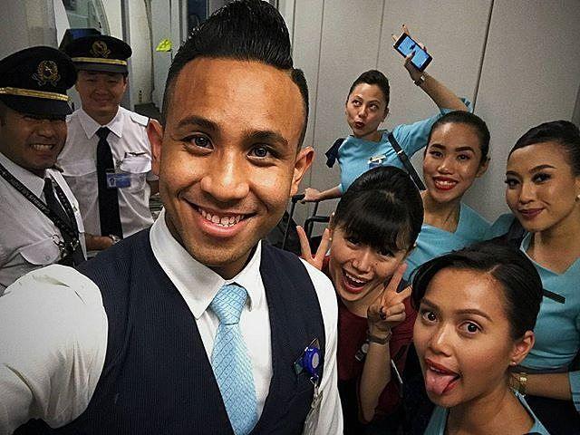 Philippines  | the most annoyingly awesome set - if only this was a permanent set of crew.  #work #crew #crewfie #crewfieporn #ig #igsg #igasia #igph #instatravel #instadaily #icapturedaily #instacrew #instacrewiser #flyboy #philippines #kalibo #cebu #love #lovelikecrazy #awesomecrew #perfectset #teamkecoh #noisybunch : @danielbotak
