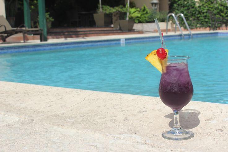 Pool bar drink- Purple Rain