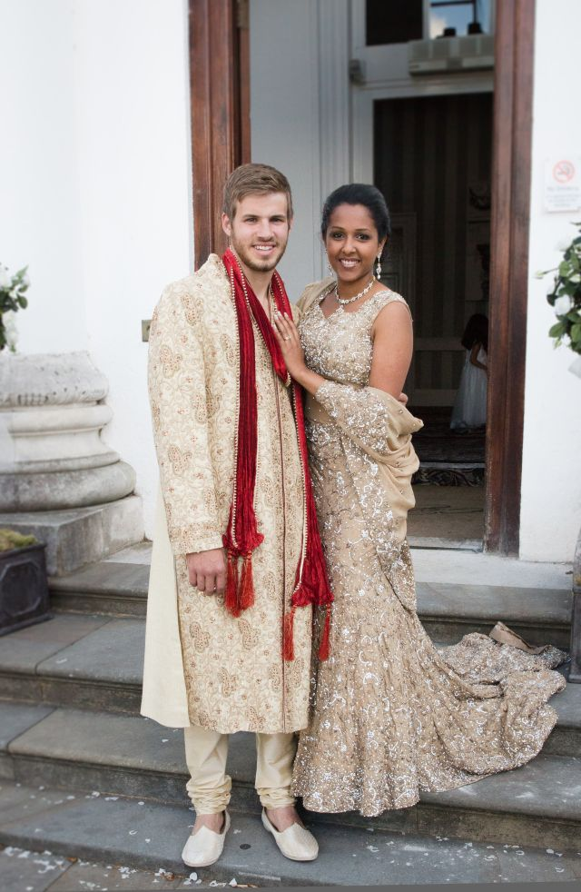 Indian English wedding, beautiful sari, UK wedding
