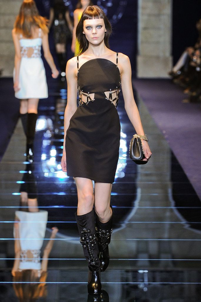 korean fashion online Versace Fall 2012 Ready to Wear Collection Photos   Vogue