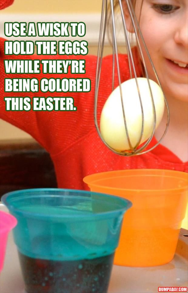 a use a wisk to hold the easter egg when coloring it, why have I never thought of this?? #food #yummy #delicious