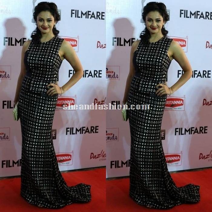 Pooja Kumar in black checkered gown for 62nd filmfare awards 2015 south