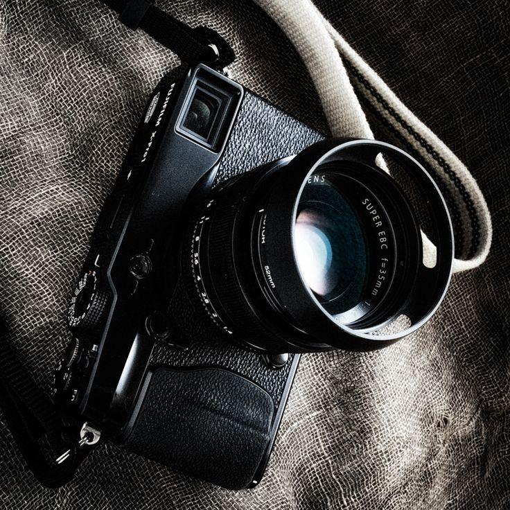 Fujifilm X-Pro1 avec XF 35mm f/1.4 et pare-soleil Leica