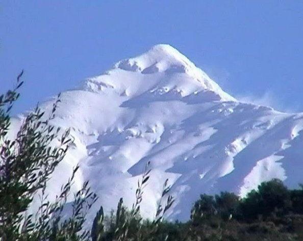 Mount Taygetus, or Taygetos ( 2406m ) Peloponnesus, Greece.