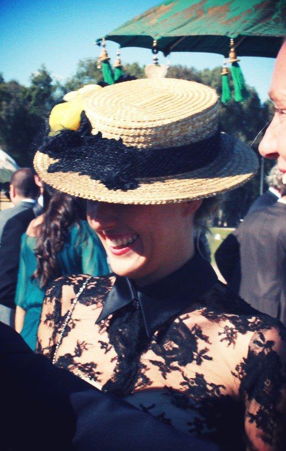 #boda de dia: #Sombrero #canotier de Cherubina  Vestido de Mentirosas by Fernando Claro  #hat #millinery #wedding