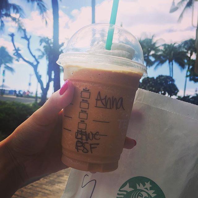 2016/11/07 11:56:08 aya_skate * Aloha❤︎ Today's brunch by the beach...🍹🍴 Pumpkin Spice Frappucino & Breakfast Sandwich  My another happy day's starting. * ブランチは海沿いのスタバで🍹🍴 ビーチを歩きながらのパンプキンスパイスフラペチーノは幸せ❤︎ 今日も幸せいっぱいの1日になりそう❤︎ #aloha #Hawaii #brunch #bithealthy #wellness #frappucino #starbucks #addicted #water #fruit #salads #Waikiki #modeling #yoga #beauty #beach #ブランチ #パンプキンス #ストレスフリー #ハワイ #ワイキキ #健康 #美 #スターバックス #幸せ Waikiki, Hawaii #健康