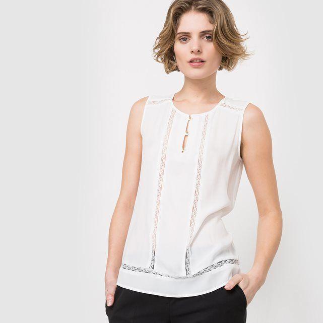 Blusa sin mangas con detalle de encaje                              …                                                                                                                                                                                 Más
