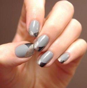 Vergeet kleur: De mooiste grijze manicures | NSMBL.nl