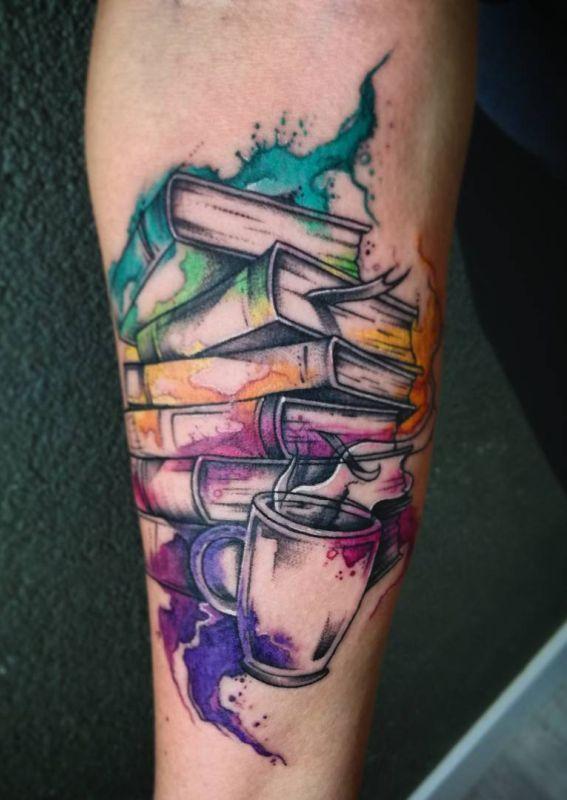 Ehrfurcht gebietende Büchertattoos für die Literatur #3dtätowierungen #45tätowierungen #b…