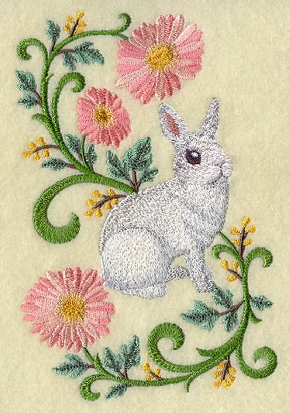 Champagne D/'Argent  RABBIT FLORAL SET OF 2 BATH HAND TOWELS EMBROIDERED BY LAURA