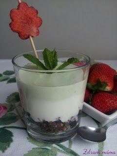 Zdravá máma: Řecký jogurt s matcha čajem a domácí granolou