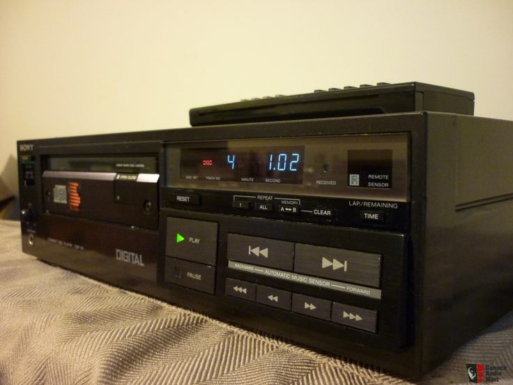 WORLD'S FIRST SONY CD PLAYER CDP-101 *WITH REMOTE