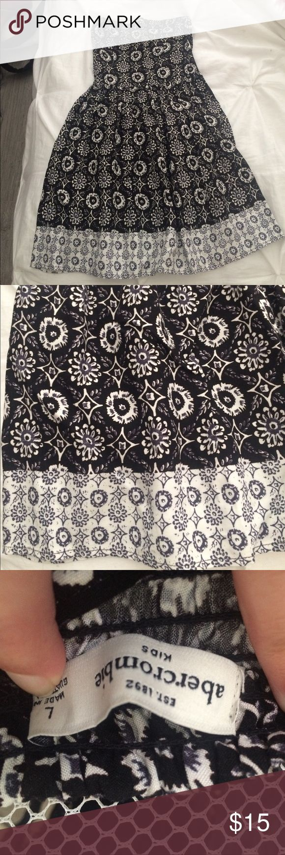 Abercrombie strapless girls sundress Cute & stylish Black & White Strapless Sundress was bought for a wedding; worn only once. Machine wash cold. Lay flat to dry abercrombie kids Dresses Casual
