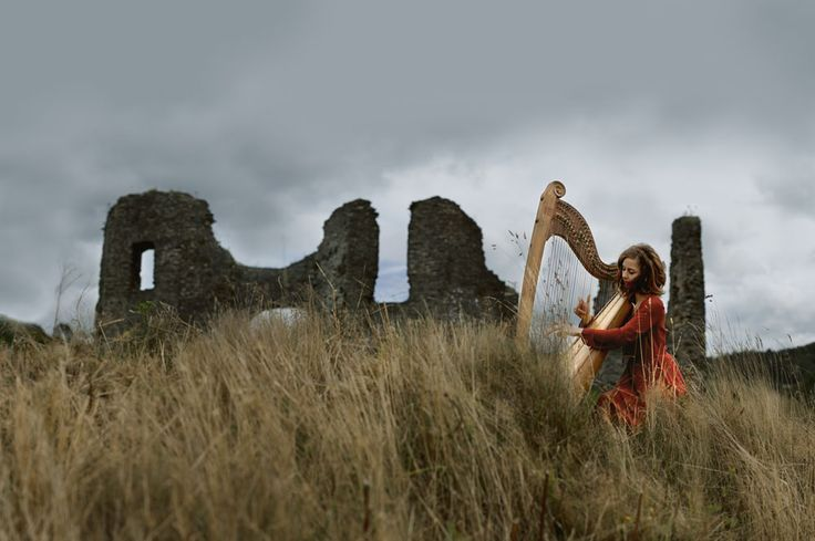Teifi Harp being played at Newcastle Emlyn castle