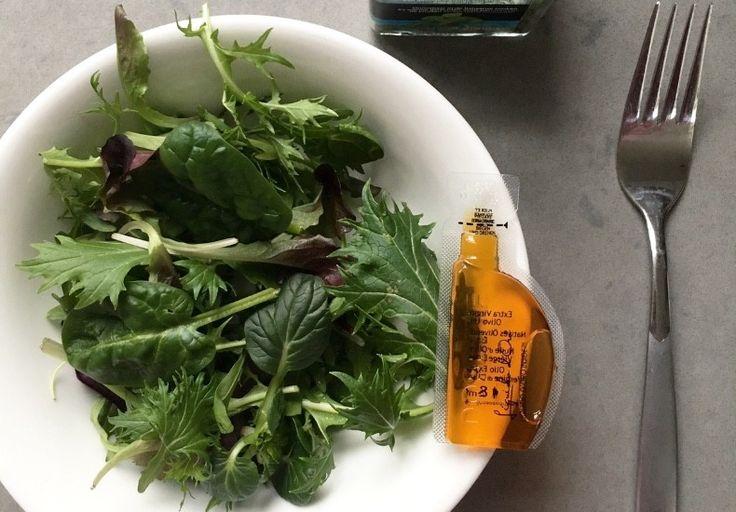Handige mini verpakking met olijfolie om mee te nemen naar je werk. Lekker voor in je salade of op je broodje. Geen vette vingers of lekkend sachet.