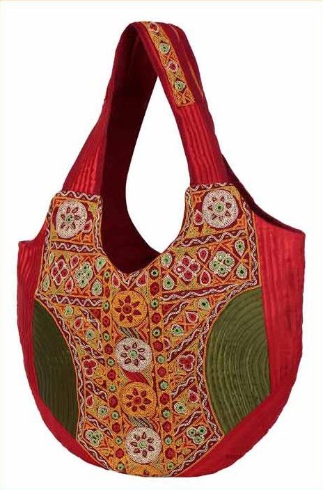 Irresistible Designer Handbags Trend