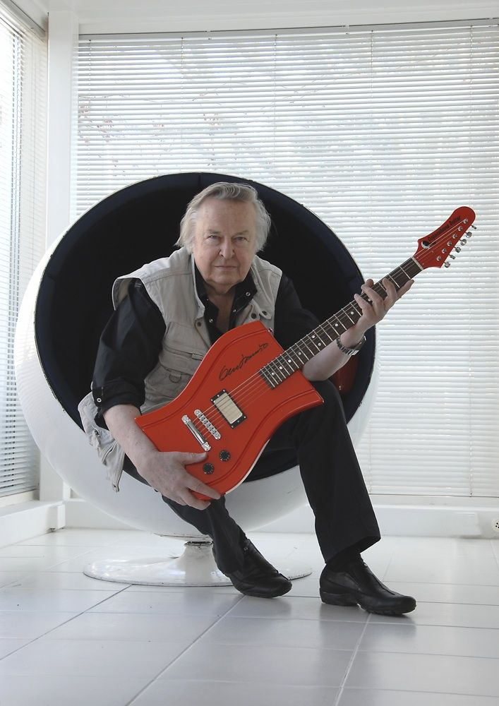 Eero Aarnio, Ball Chair and Copacabana Guitar from www.modern.fi