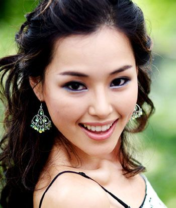 Name: Lee Ha-nui (Honey Lee)  Beauty pageant titleholder  Born	: Lee Ha-nui March 2, 1983   Seoul, South Korea  Alma mater: Seoul National University  Height: 5 ft 9 in (1.75 m)  Weight: 51 kg (110 lb)  Hair color: black  Eye color: brown  Title(s): Miss Korea 2006   - Miss Universe 2007 (3rd runner up) - Major  competition(s)	Miss Korea 2006 (winner) - Miss Universe 2007