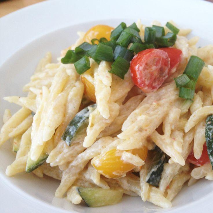 Pasta mit Zucchini – Tomaten – Zitronen Soße - Макароны с соусом из цукини, помидоров с лимоном