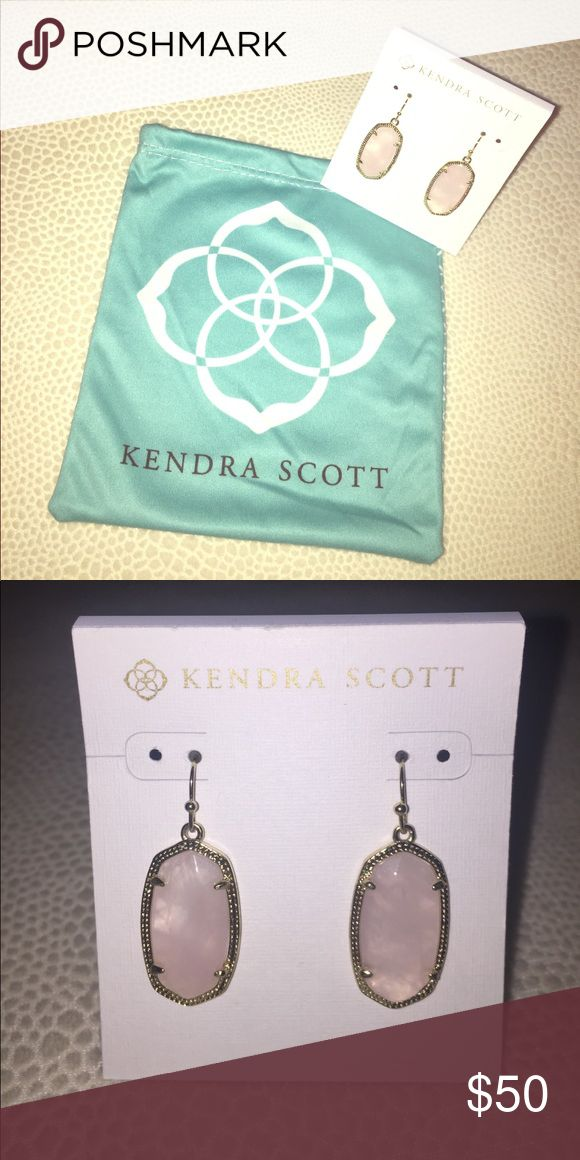 Kendra Scott Elle Earrings Rose Quartz- Never Worn Never Worn- Kendra Scott Rounded, blush pink stones in stunning golden frames are perfect for your bridal party, an afternoon tea or whatever special occasion you have. The Elle Earrings are both lightweight and attention grabbing. Kendra Scott Jewelry Earrings