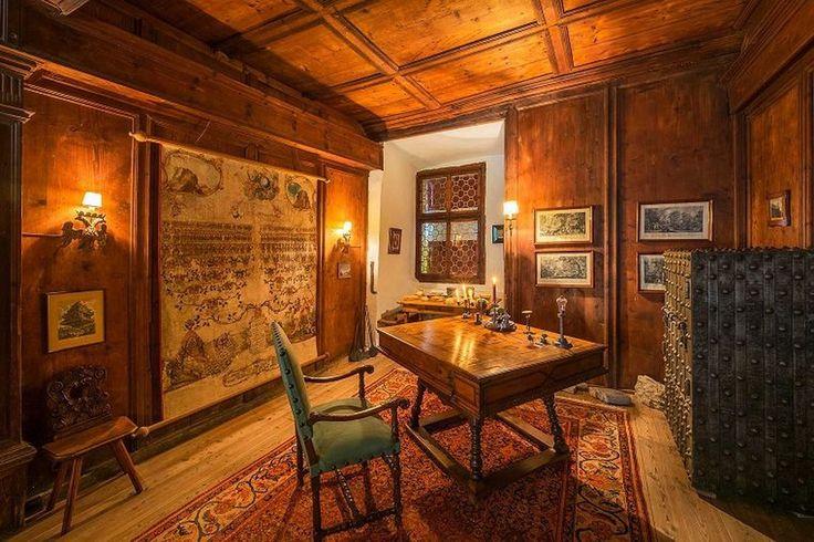 Castel Valer: замок на продажу от итальянского графа. http://faqindecor.com/ru/castel-valer-zamok-na-prodazhu-ot-italyanskogo-grafa/