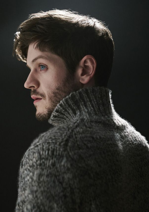 Iwan Rheon: knitted sweater, blue eyes and brown hair