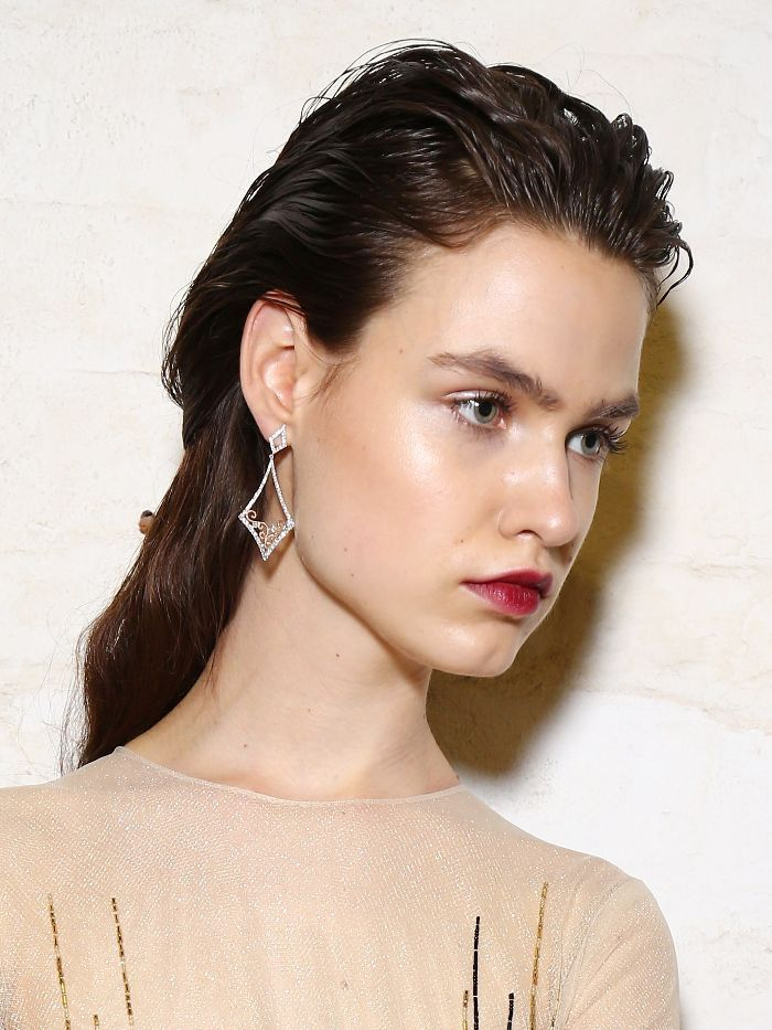 Confirmed: These Are the Hair and Makeup Looks You'll Be Wearing Next Spring via @ByrdieBeautyAU