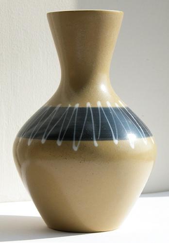 Hornsea Slipware Vase 854 John Clappison