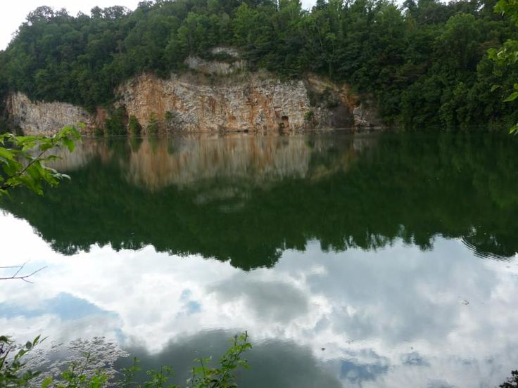 Meade's Quarry hike in Ijams Nature Center, South Knoxville