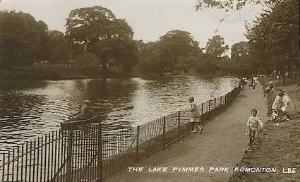 Pymmes Park boating lake