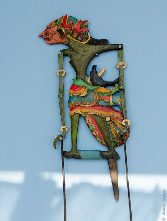 Antique Javanese Shadow puppet  wooden Indonesian by UberdenTraum, €186.00