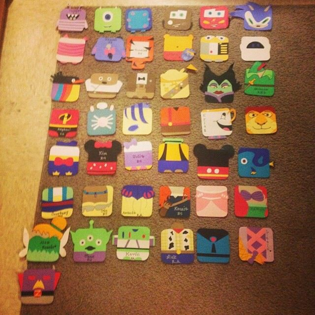 Disney/Pixar themed door tags I made this semester! #reslife #doortags #disney #pixar