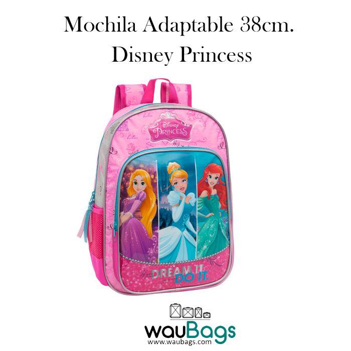 """La Mochila grande Disney """"Princess"""" es adaptable a carro, tiene un compartimento principal con cierre de cremallera, un bolsillo delantero y un bolsillo lateral de rejilla donde podrás colocar una botella de agua pequeña y un asa en la parte superior.  @waubags #disney #princess #princesas #mochila #escolar #cole"""