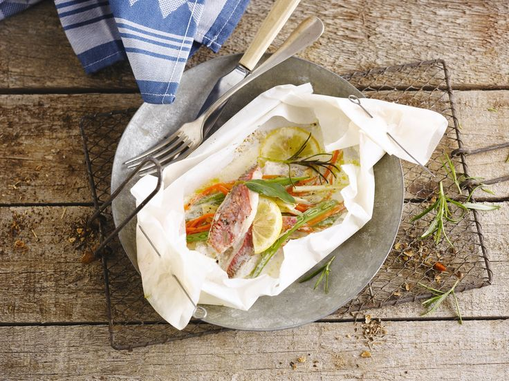 Fish papillote with Alpro Soy Cuisine is a good idea if you are looking for a healthy and gluten-free lunch or dinner recipe. Try it today!  Ingredients: fish fillets - carrots - fennel - garlic - green beans - lemon - rosemary - vegetables  Meal of the day: lunch - dinner Suited for: gluten-free