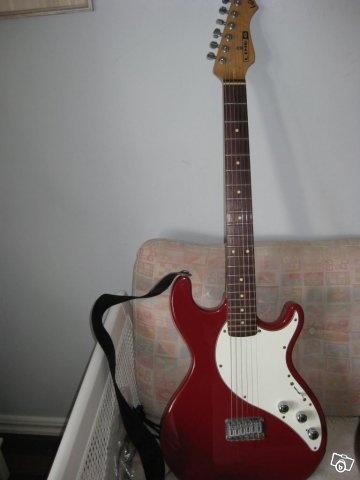 Why not buy a second-hand one. Variax el.,levin o bra m akustiska gitarrer