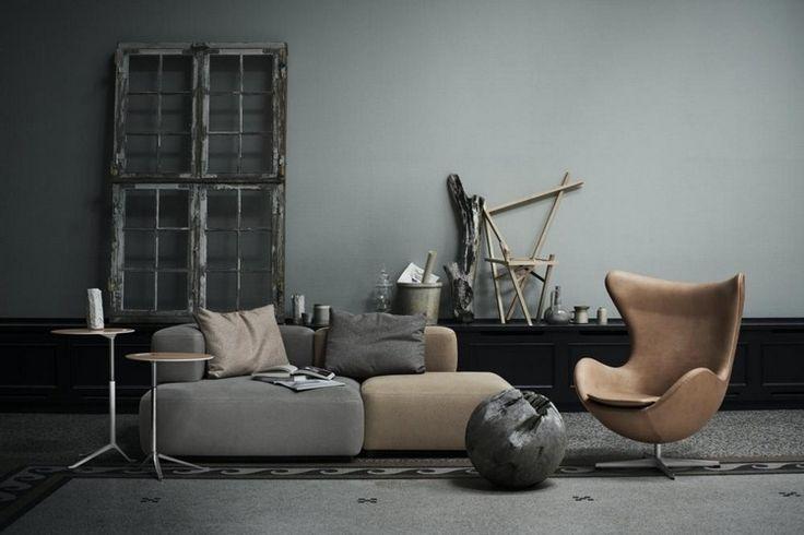 salon gris taupe et beige avec fauteuil Oeuf par Arne Jacobsen en cuir clair