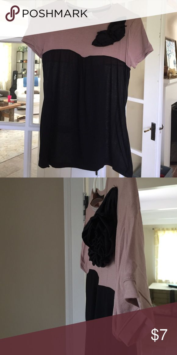 Zara < Tshirt Tissue tshirt with flower detail Zara Tops Tees - Short Sleeve