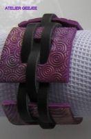 armband met zwart leer en polymeerklei