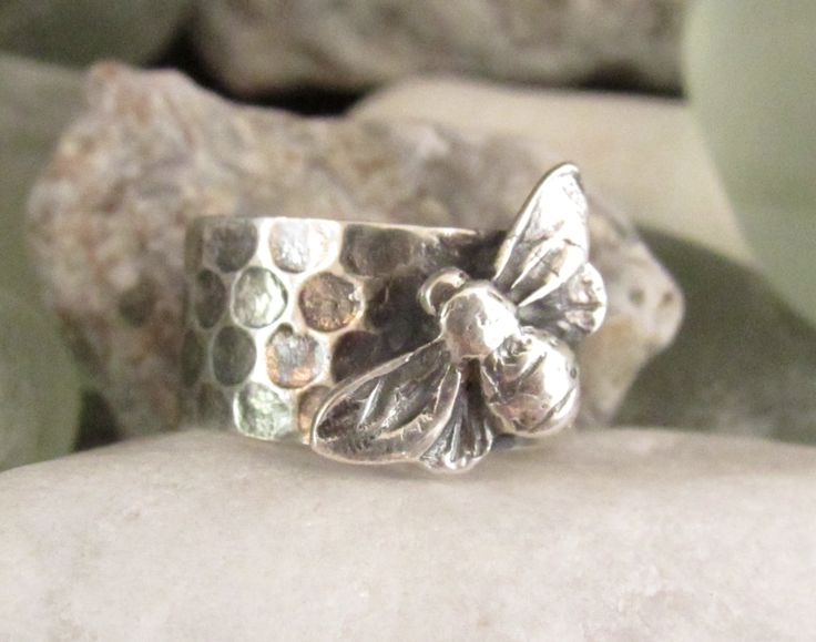I'm running workshops teaching how to make this ring!  Made with silver art clay, featuring a gorgeous bee.  Join me!