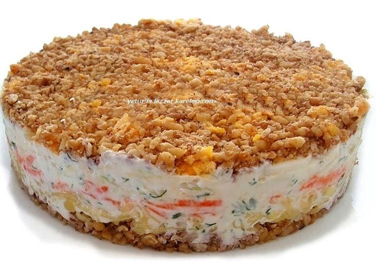gelinimiz jane'den öğrendiğim rus mutfağına ait nefis bir salata. salatanın harcında dileyenler lahana yerine ton balığı...