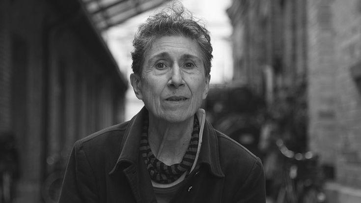 """Silvia Federici: """"Tenemos que empezar una lucha sobre qué significa el trabajo doméstico"""""""