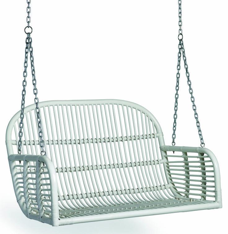 Hanging rattan bench från Nordal hos ConfidentLiving.se