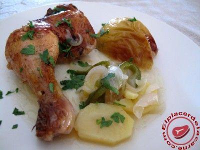 Muslos de pollo con patatas y manzana - Elplacerdelacarne.com